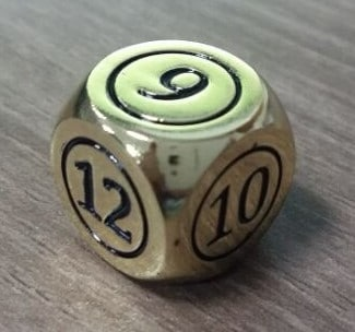 Quempire Commander Dice Gold
